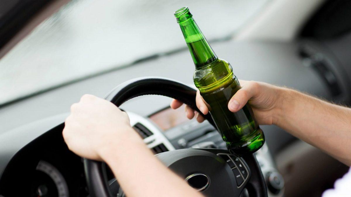 машина - пьяный водитель