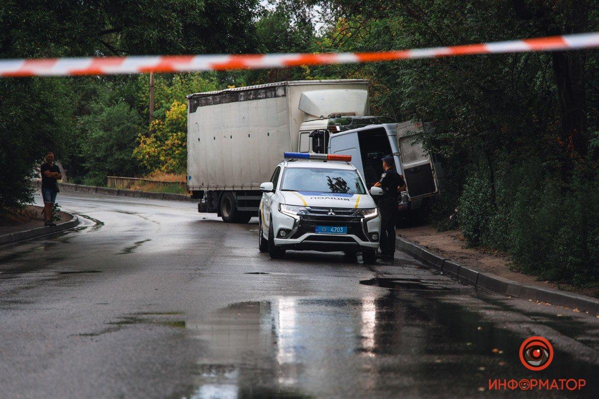 Вантажівка в Дніпрі протаранив маршрутку: багато постраждалих — фото, відео