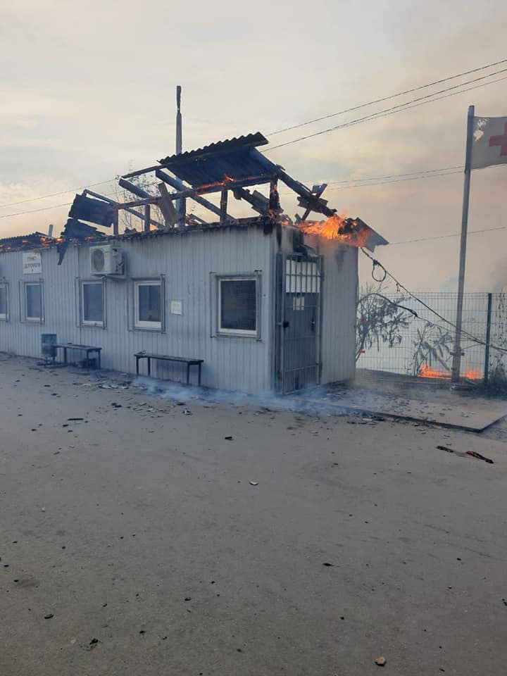 Станиця Луганська у вогні: з'явилися фото з місця НП