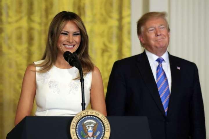 Мелания Трамп показала, как украсила Белый дом— Последнее Рождество